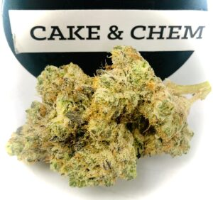 buds of cake & chem strain by strane